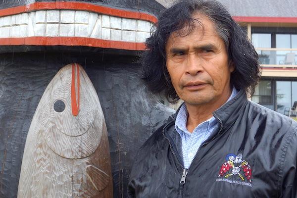 Joe Martin, sculpteur de canoë