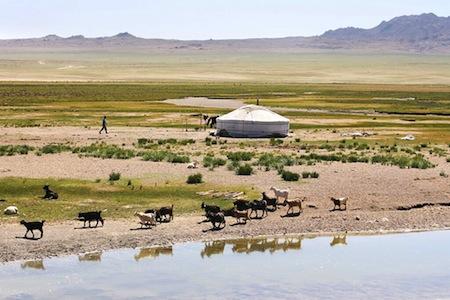 yourte-mongolie-interieure